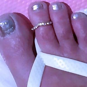 Toe ring-gold & rhinestones